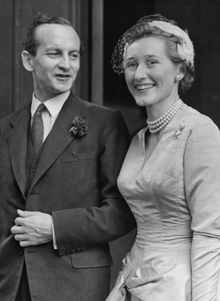 Mark Bonham Carter and and Leslie, Lady St. Just on June 30, 1955 in London | Source: Getty Images