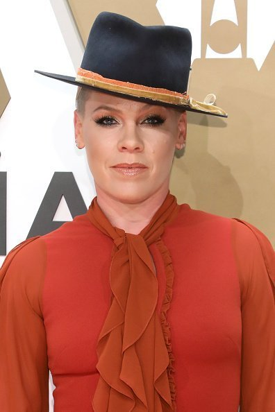 Pink attends the 53nd annual CMA Awards at Bridgestone Arena on November 13, 2019 in Nashville, Tennessee | Photo: Getty Images