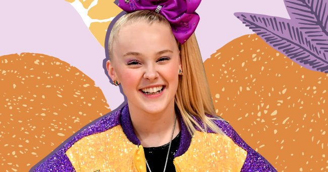 JoJo Siwa at a basketball game between the Los Angeles Lakers and Phoenix Suns on February 10, 2020   Photo: Shutterstock / Getty Images