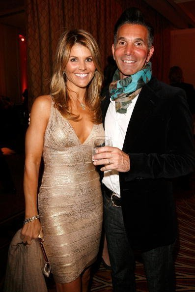 Lori Loughlin and husband Mossimo Giannulli in Beverly Hills, California.| Photo: Getty Images.