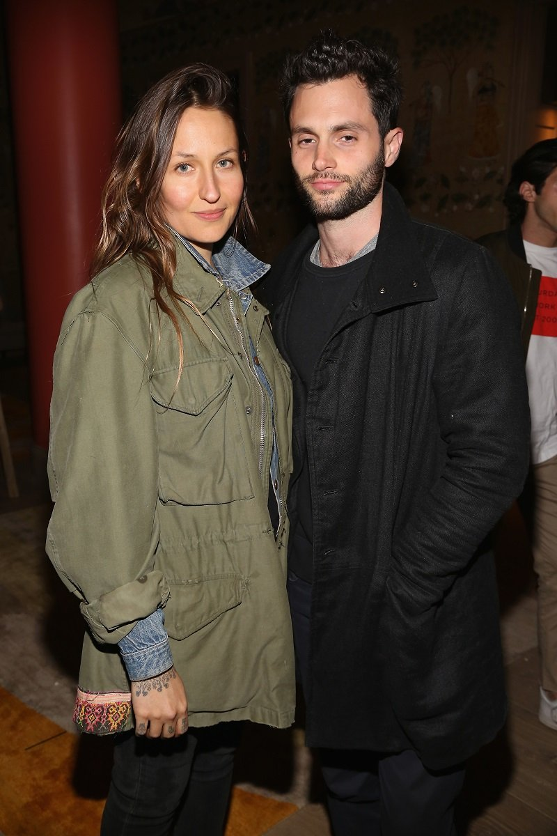 Domino Kirke and Penn Badgley on April 30, 2017 in New York City | Photo: Getty Images