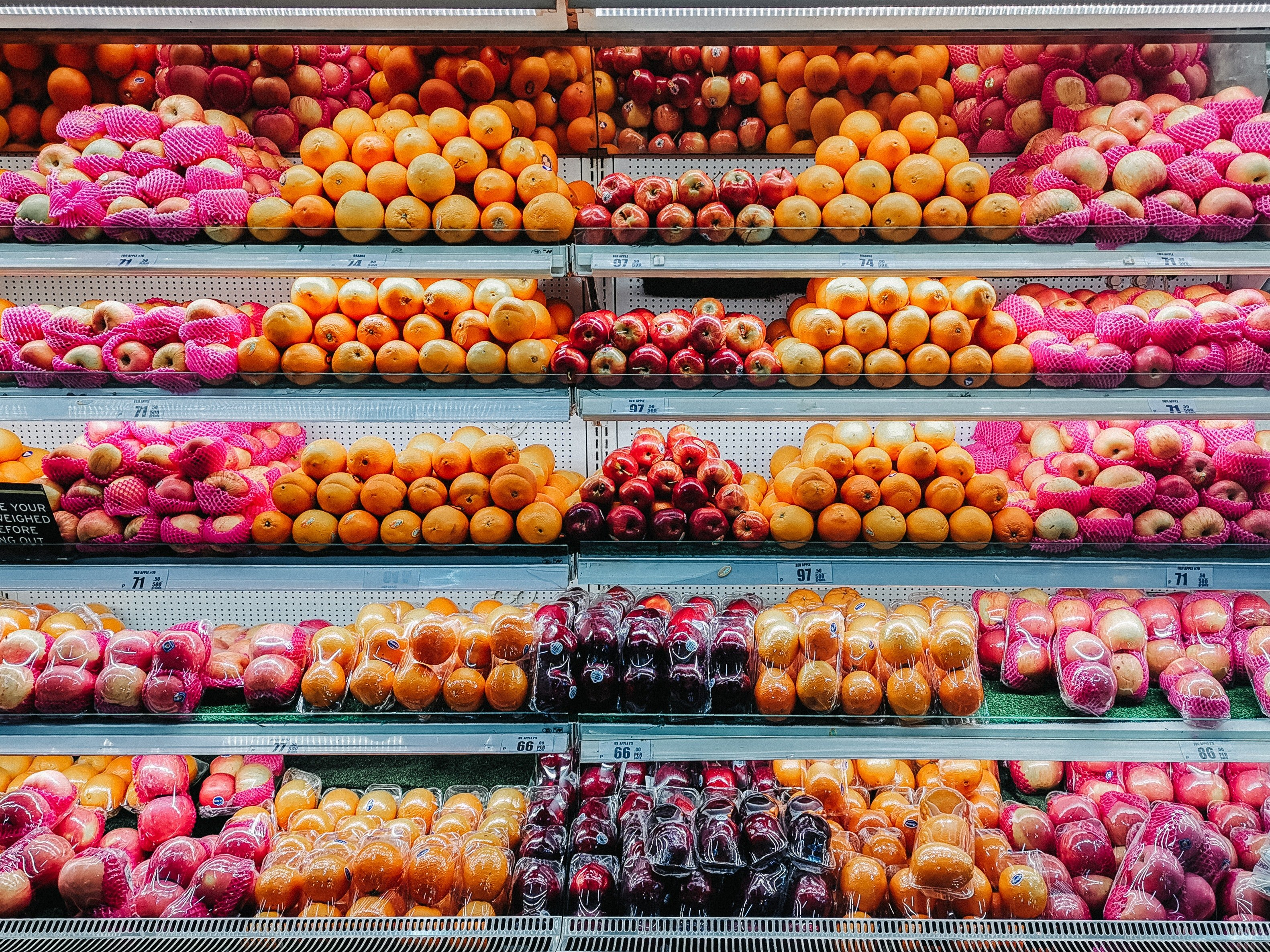 Fresh produce in the grocery store.   Pexels