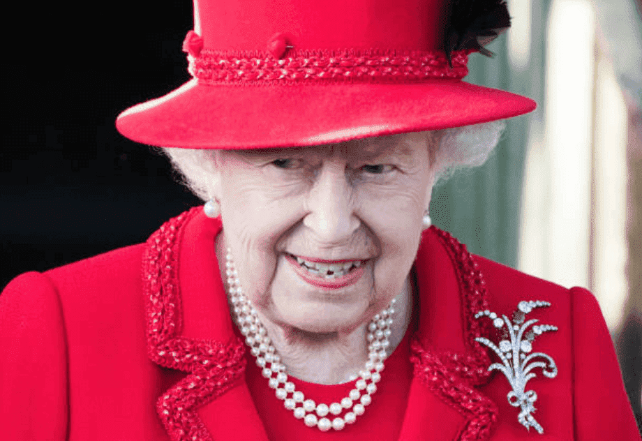 Queen Elizabeth smiles at she leaves the Christmas Day Church service at Church of St Mary Magdalene on the Sandringham estate, on December 25, 2019, in King's Lynn, United Kingdom | Source: Getty Images (Photo by Pool/Samir Hussein/WireImage)