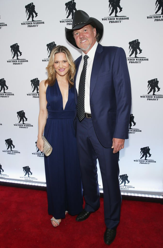 Victoria Pratt (L) and Trace Adkins attend the Wounded Warrior Project Courage Awards & Benefit Dinner | Photo: Getty Images