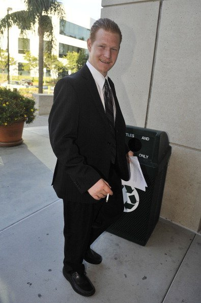 Redmond O'Neal arrives for his final progress report at LAX Courthouse on October 9, 2012, in Los Angeles, California. | Source: Getty Images.