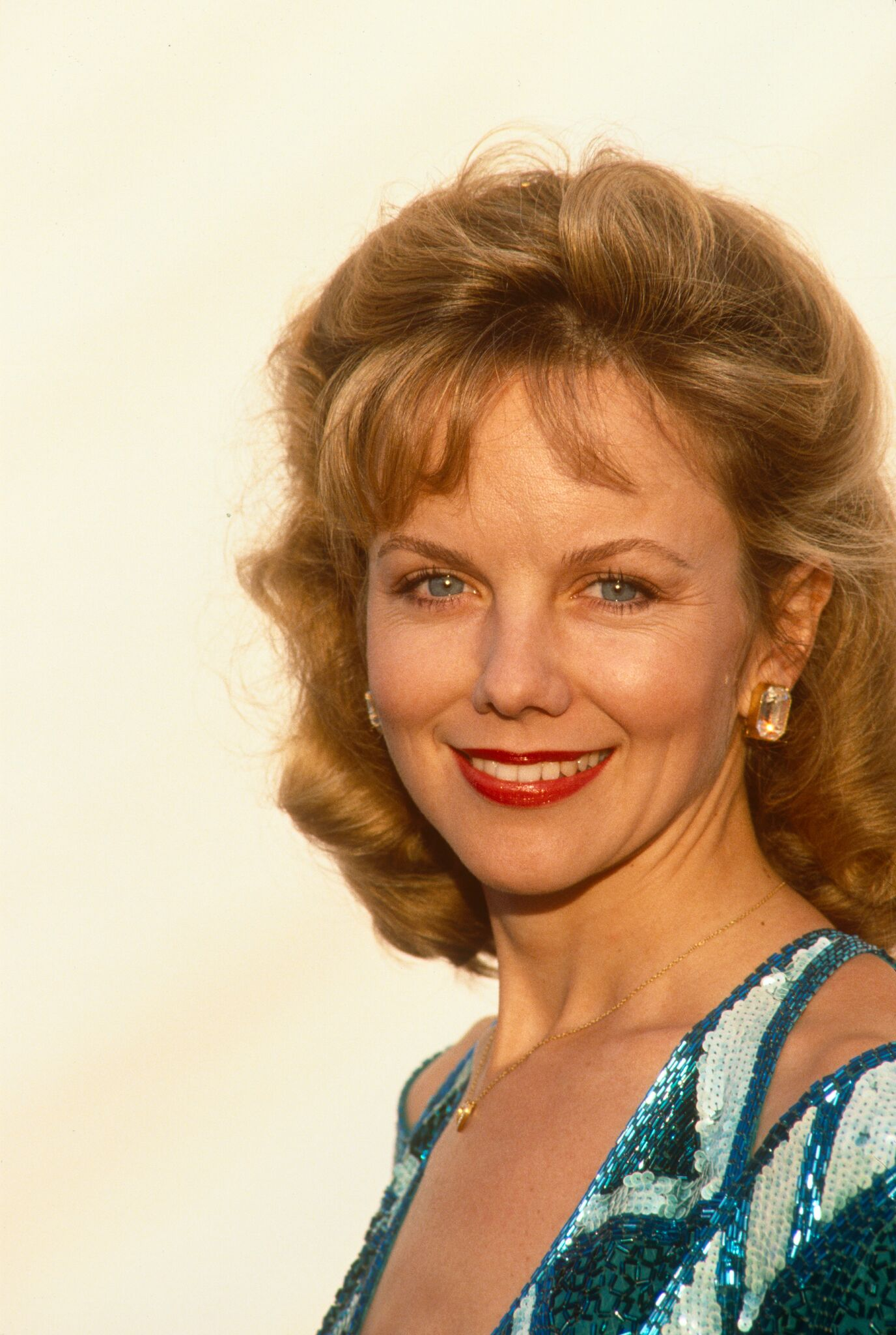 Linda Purl poses on the red carpet of the 1989 Beverly Hills, California, People's Choice Awards.  | Getty Images