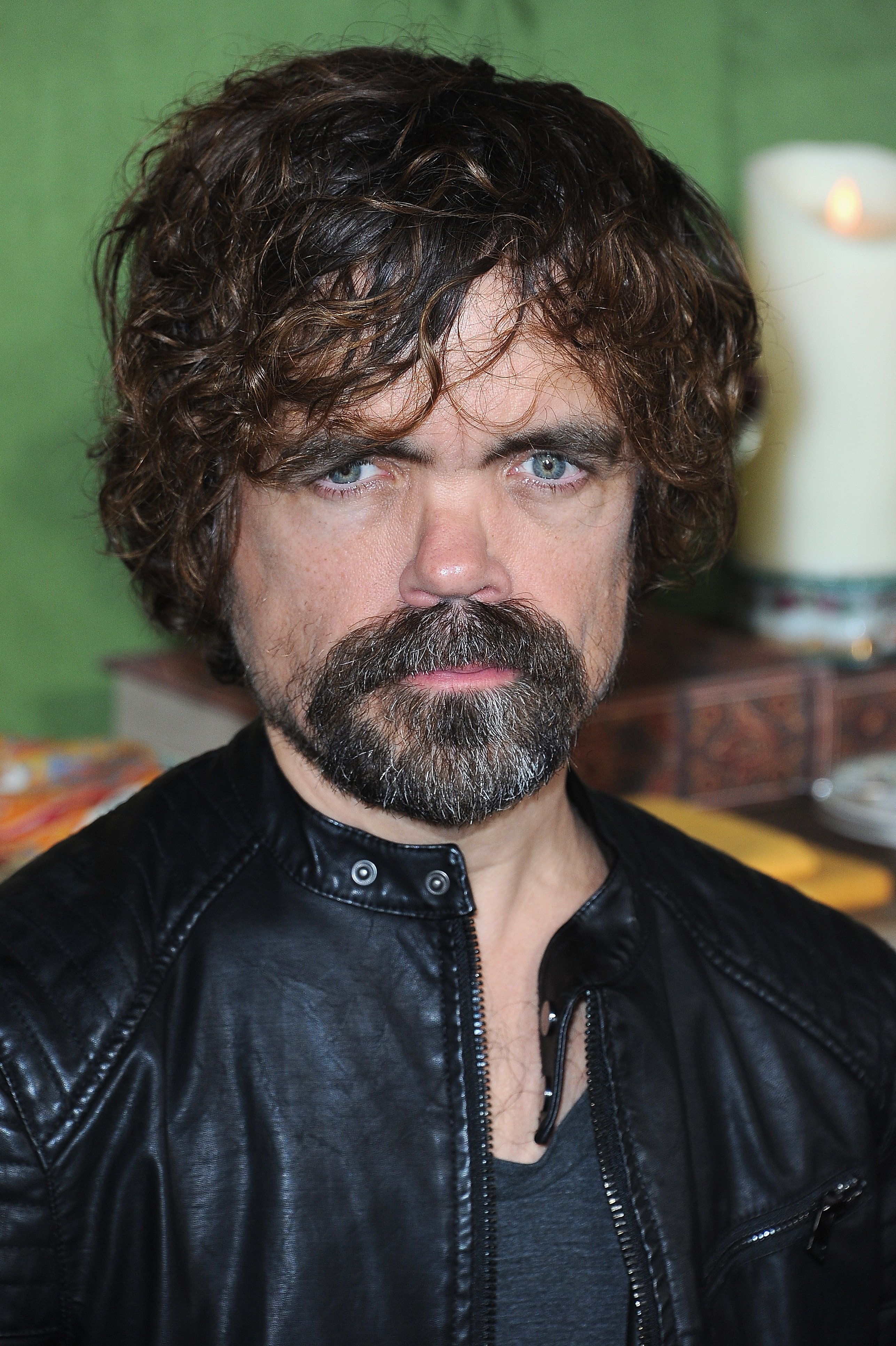 Peter Dinklage Thanks Game Of Thrones Cast Northern Ireland His Wife Erica Schmidt During Sag Awards Speech