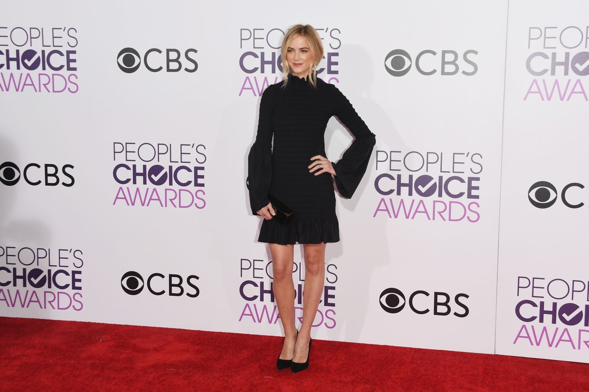 Actress Emily Wickersham attends the People's Choice Awards 2017 at Microsoft Theater | Getty Images