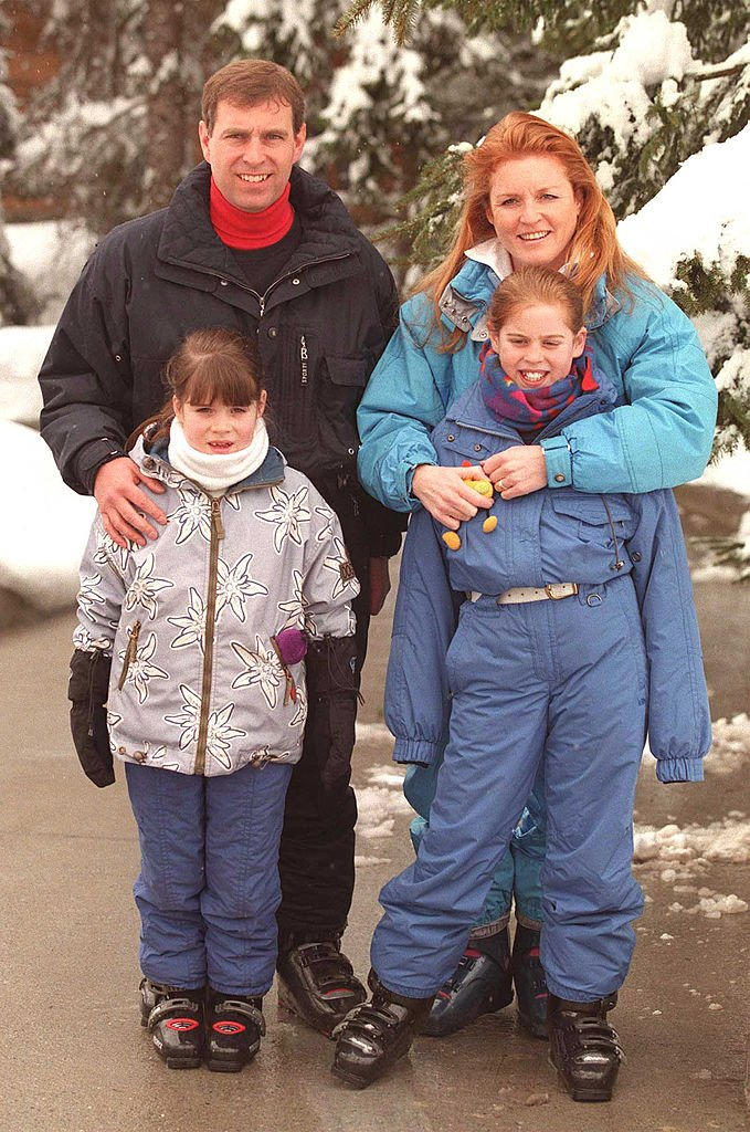 Princesses Beatrice and Eugenie with the Duke and Duchess of York on February 19, 1999 in Switzerland | Photo: Getty Images