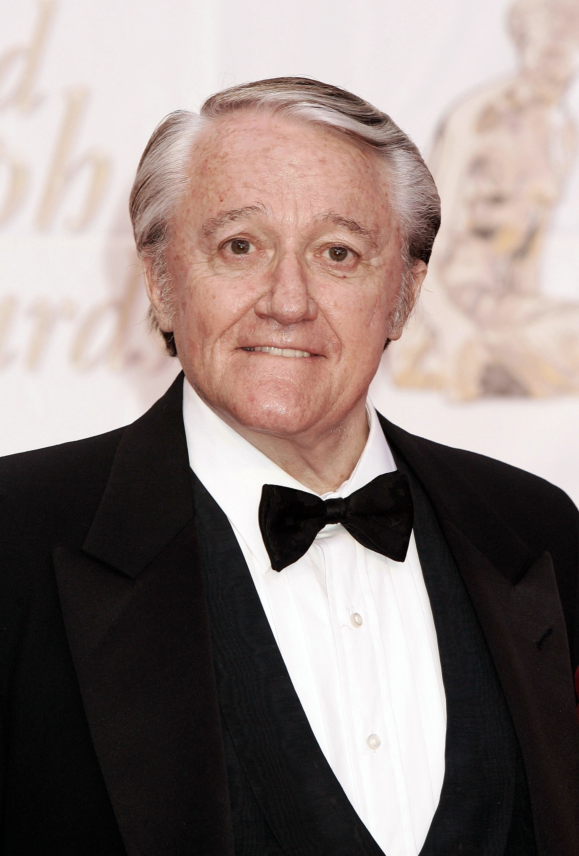 Robert Vaughn at the Gold Nymph awards ceremony at the 44th Monte-Carlo Television Festival on July 3, 2004 | Photo: GettyImages