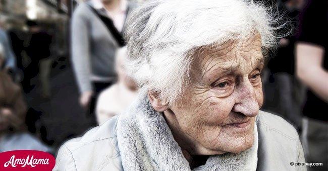 Une vieille femme malade a gagné à la loterie après que ses enfants l'aient abandonnée