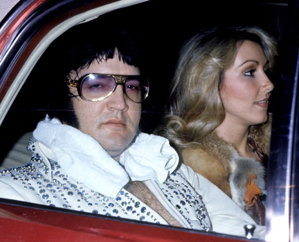Elvis Presley with Linda Thompson at the Hilton Hotel in Cincinnati   Photo: Getty Images