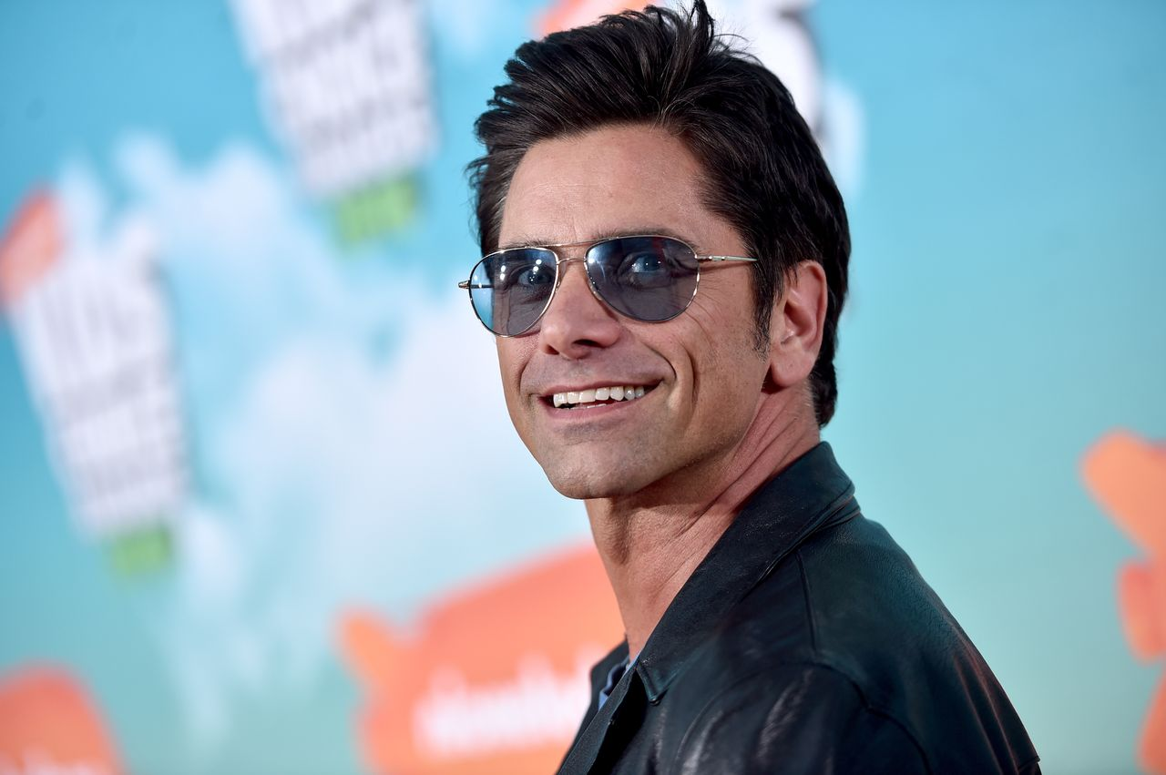 John Stamos at Nickelodeon's 2016 Kids' Choice Awards at The Forum on March 12, 2016 in Inglewood, California | Photo: Getty Images