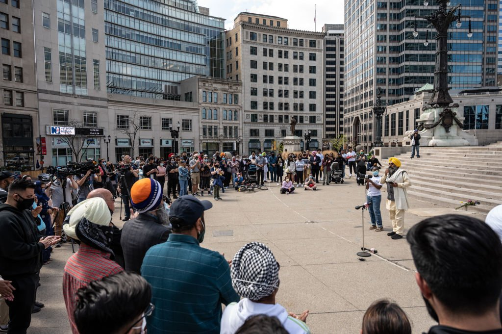 Maninder Singh Walia spoke during a vigil at Monument Circle for the victims of the mass shooting at the FedEx facility on April 18, 2021 | Photo: Getty Images