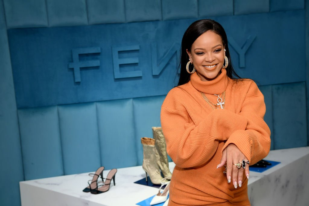 Robyn Rihanna Fenty and Linda Fargo celebrate the launch of FENTY at Bergdorf Goodman at Bergdorf Goodman on February 07, 2020. | Photo: Getty Images