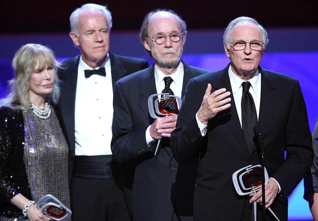 """Loretta Swit, Mike Farrell, Burt Betcalfe, Alan Alda accept the Impact award for """"M*A*S*H"""" onstage at the 7th Annual TV Land Awards held at Gibson Amphitheatre on April 19, 2009 