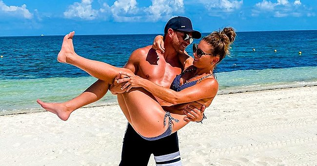 'OutDaughtered' — Adam Busby Shares Sultry Snap with Swimsuit-Clad Wife Danielle on the Beach