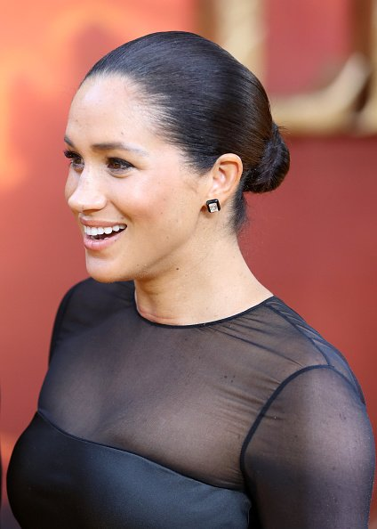 "Meghan, duquesa de Sussex asiste al estreno europeo de ""The Lion King"" en Leicester Square el 14 de julio de 2019 en Londres, Inglaterra. 