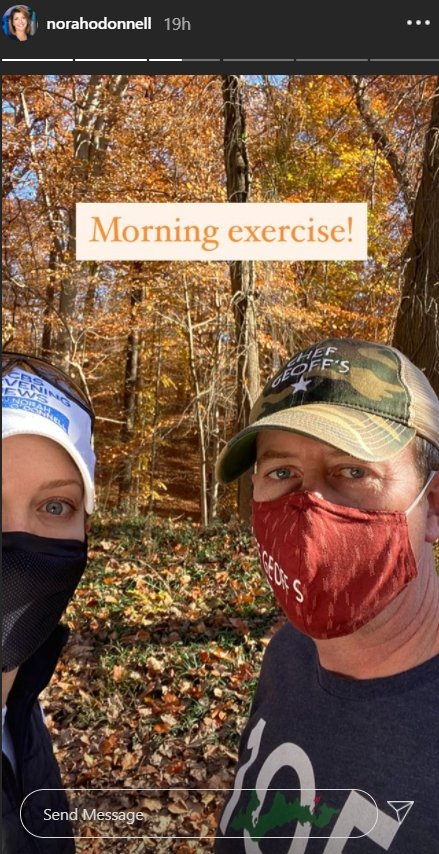 A selfie of Norah O'Donnell and her husband during their morning excercise. | Photo: Instagram/Norahodonnell