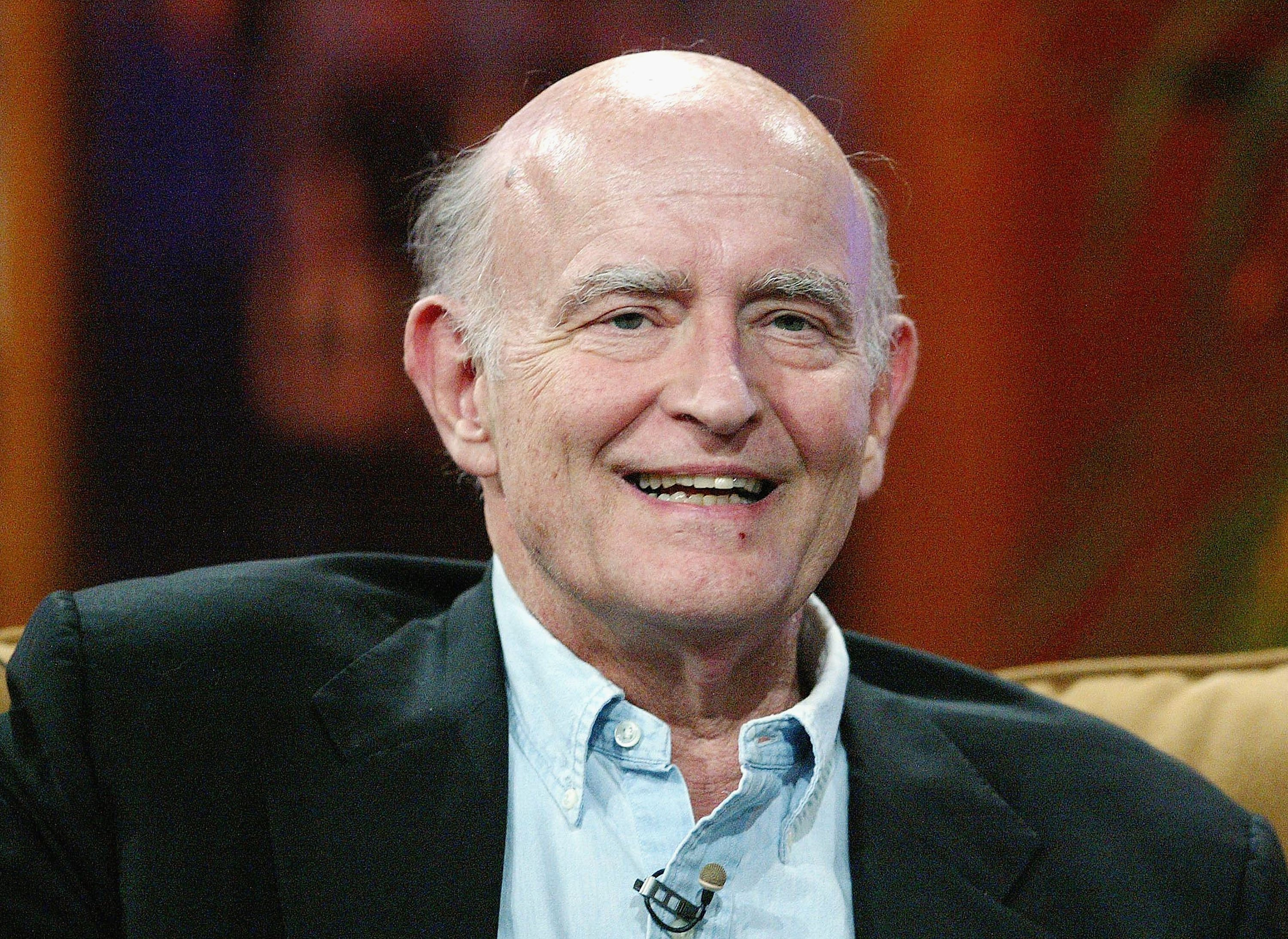 Peter Boyle speaks during the CBS 2005 Television Critics Winter Press Tour on Jan. 18, 2005 in California | Photo: Getty Images