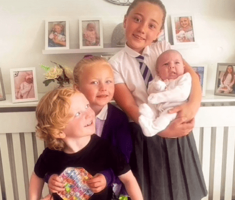 Lois McIntyre and her partner's four children.   Source: tiktok.com/homelifewithlois