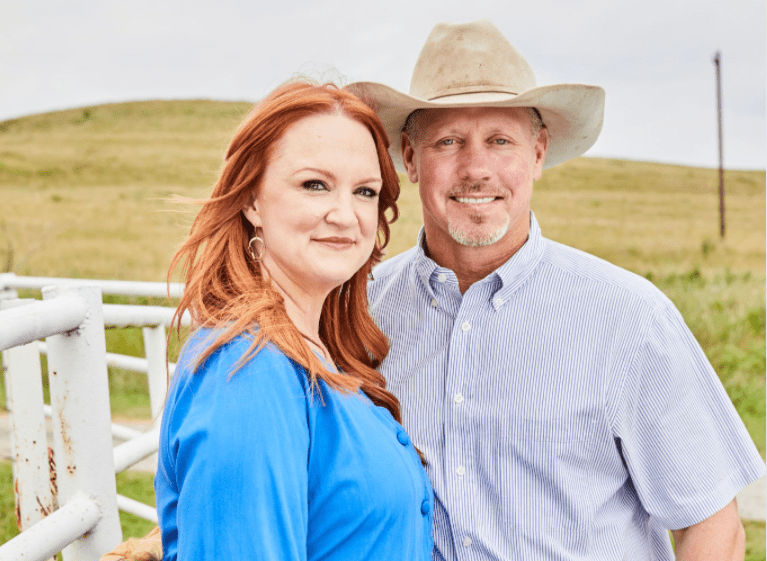 TV personality Ree Drummond and spouse Ladd Drummond are photographed for People Magazine on August 25, 2017 in Oklahoma | Photo: Getty Images