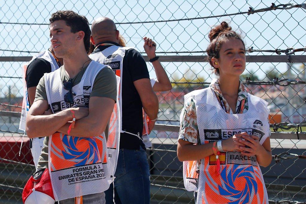 Jaime Lorente y Maria Pedraza durante el Gran Premio de España de F1.l Fuente: Getty Images