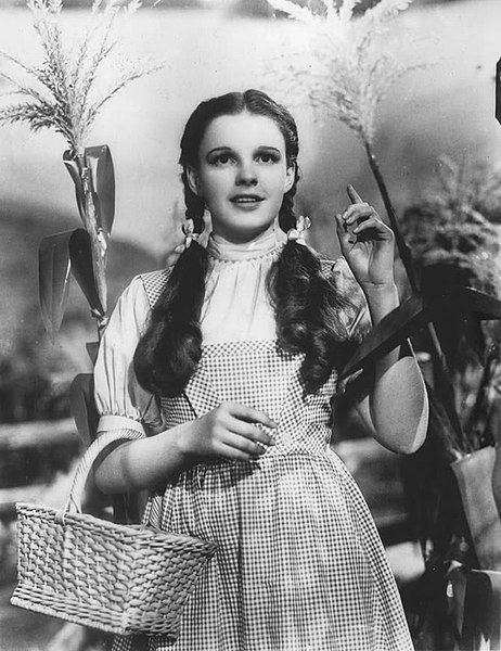 "Judy Garland in ""The Wizard of Oz."" I Image: Wikimedia Commons."