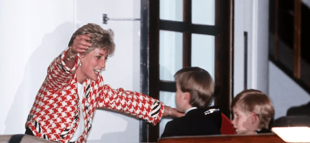 One of Princess Diana's favorite photos of her and her sons, Prince Harry and Prince William, taken in Toronto, Canada, in October 1991   Photo: YouTube/TODAY