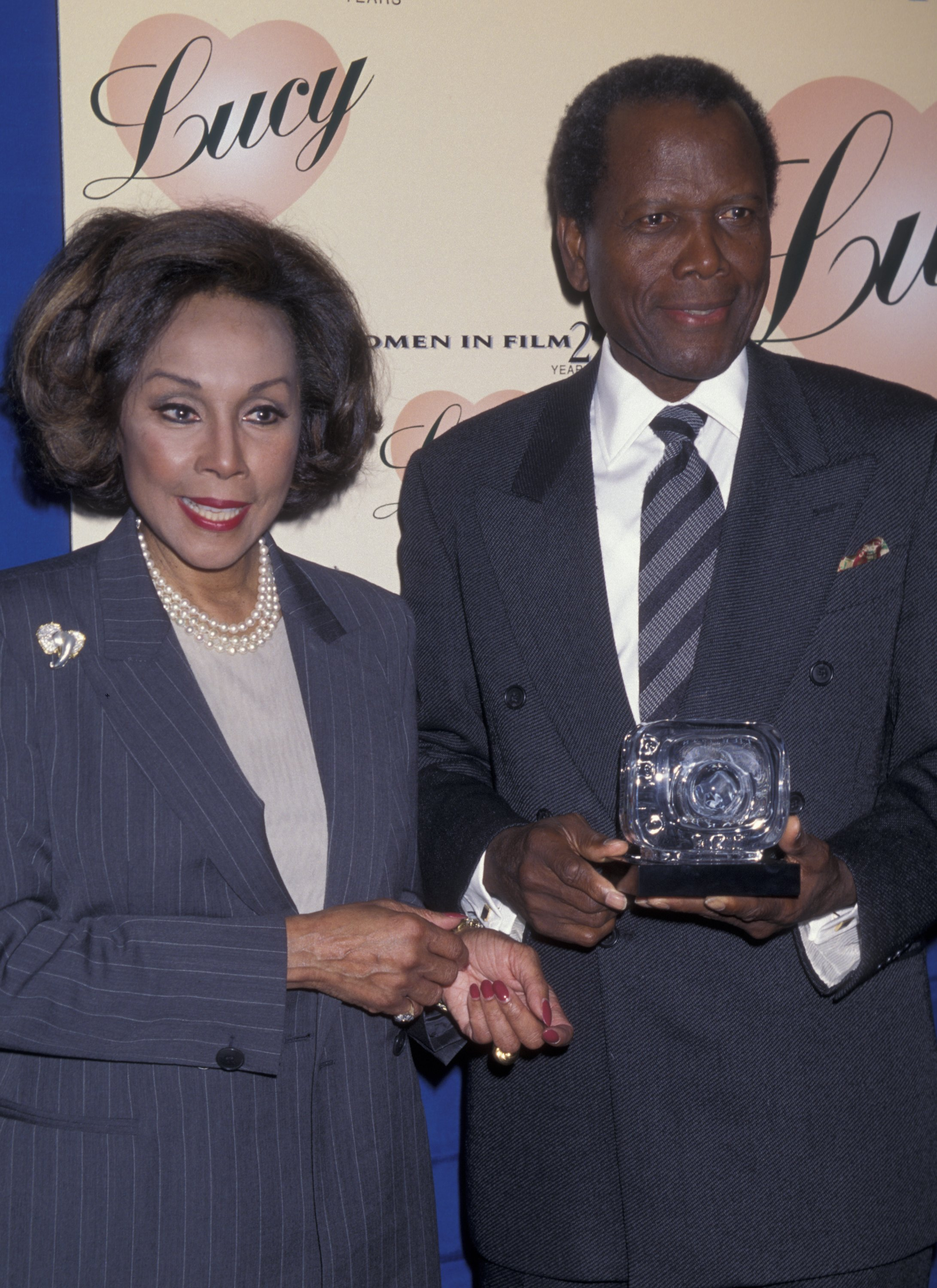 Diahann Carroll and Sidney Poitier a the Fifth Annual Women in Film Lucy Awards on September 12, 1998 in Beverly Hills, California | Photo: Getty Images