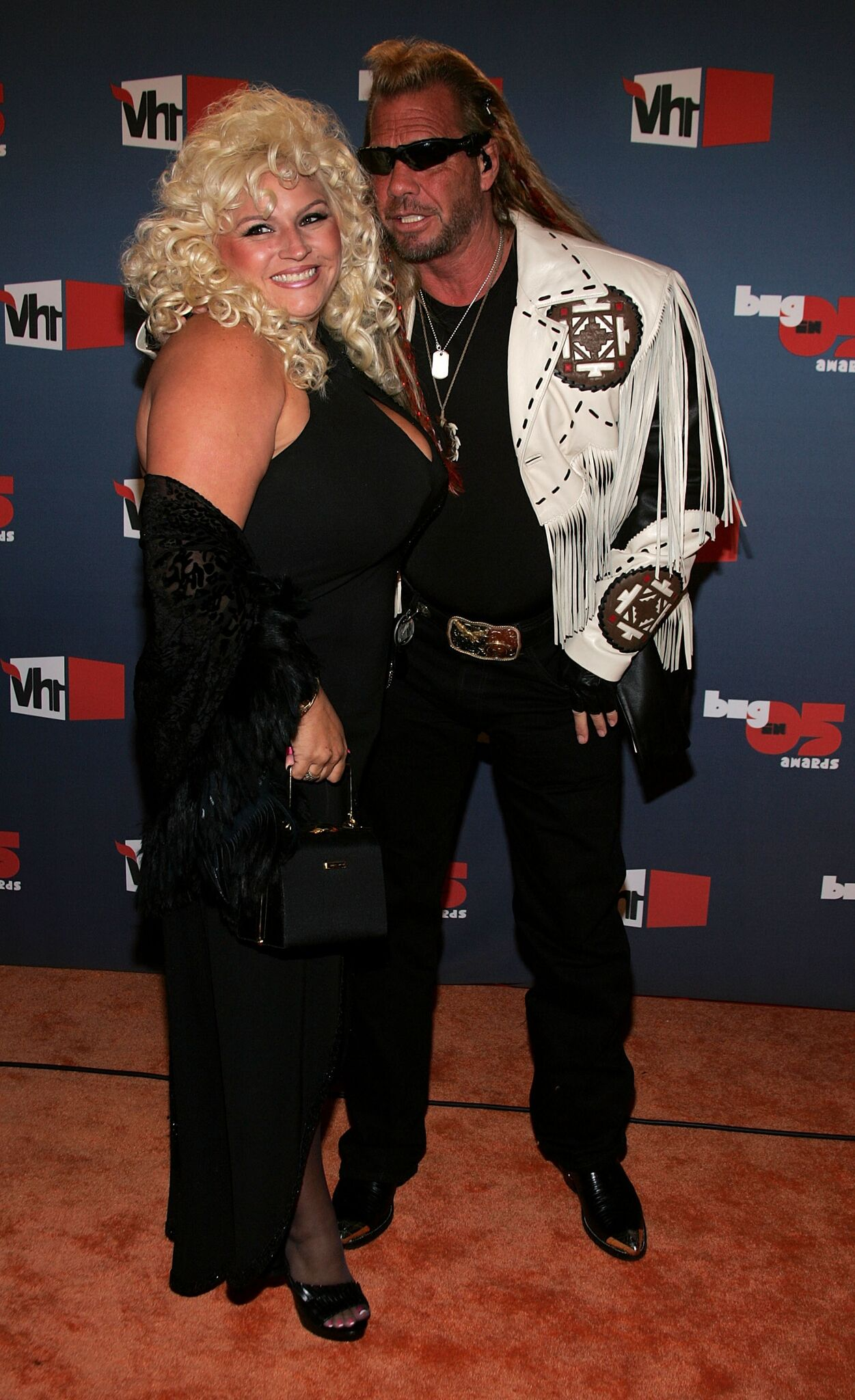 "Bounty Hunter Duane ""Dog"" Chapman (R) and Beth Chapman arrive at the VH1 Big In '05 Awards held at Stage 15  
