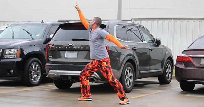 Texas Dad Dances outside a Hospital Window during His Son's Chemo Treatment