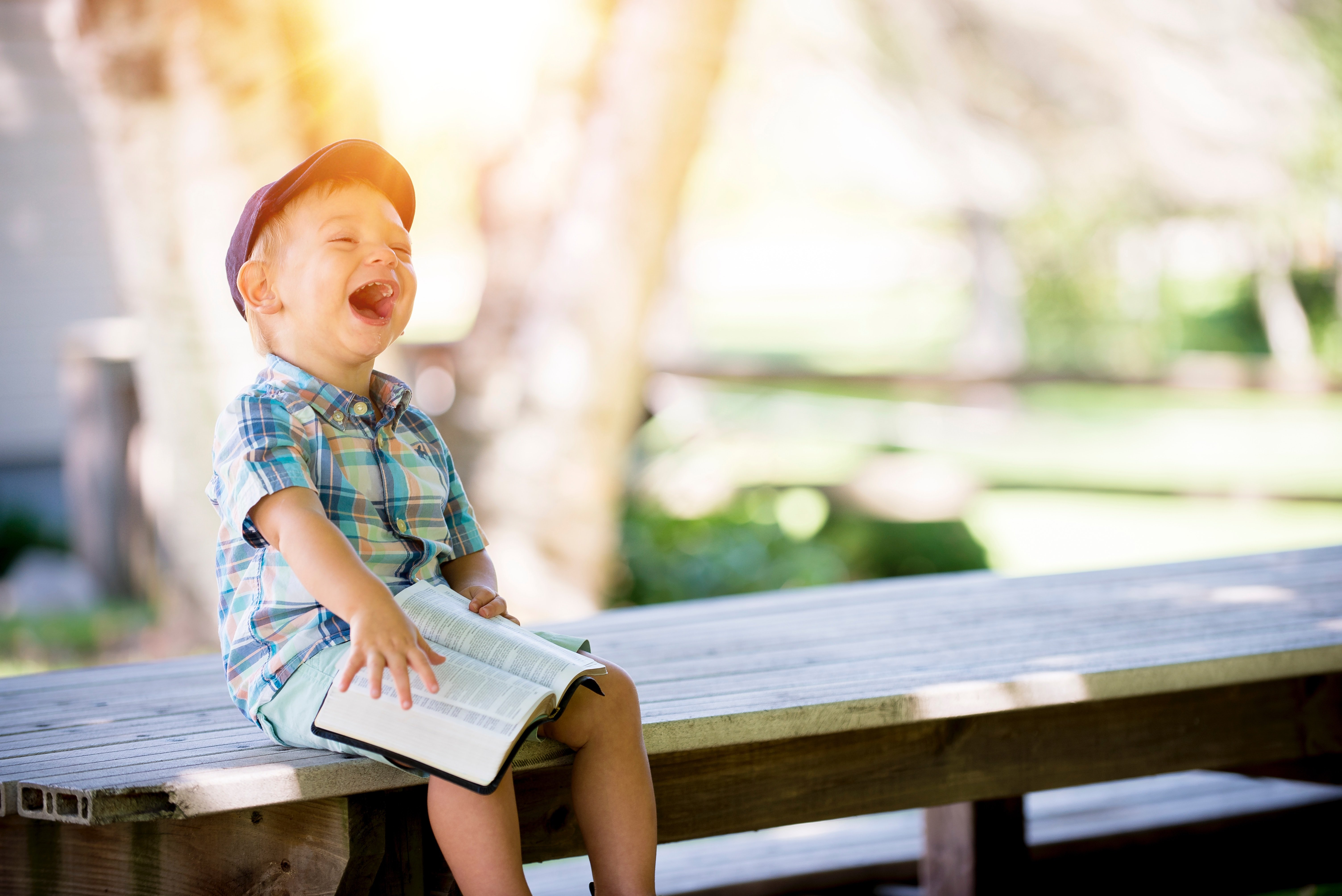 A child laughing | Source: Unsplash.com