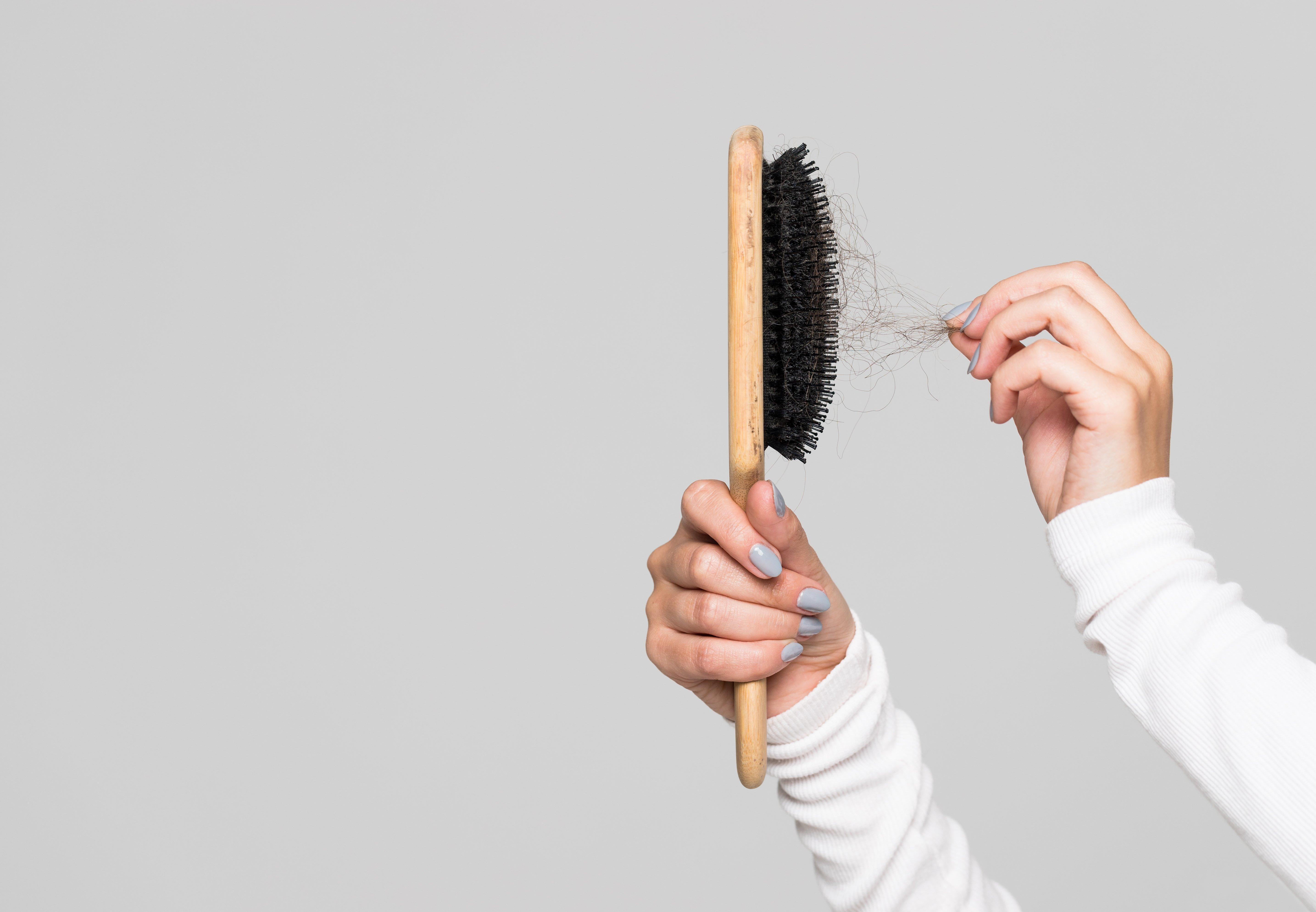Peigner avec les cheveux. Source : Shutterstock
