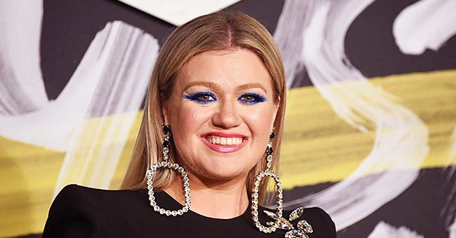 Kelly Clarkson's Little Daughter River Rose Tries to Host Her Mother's Show