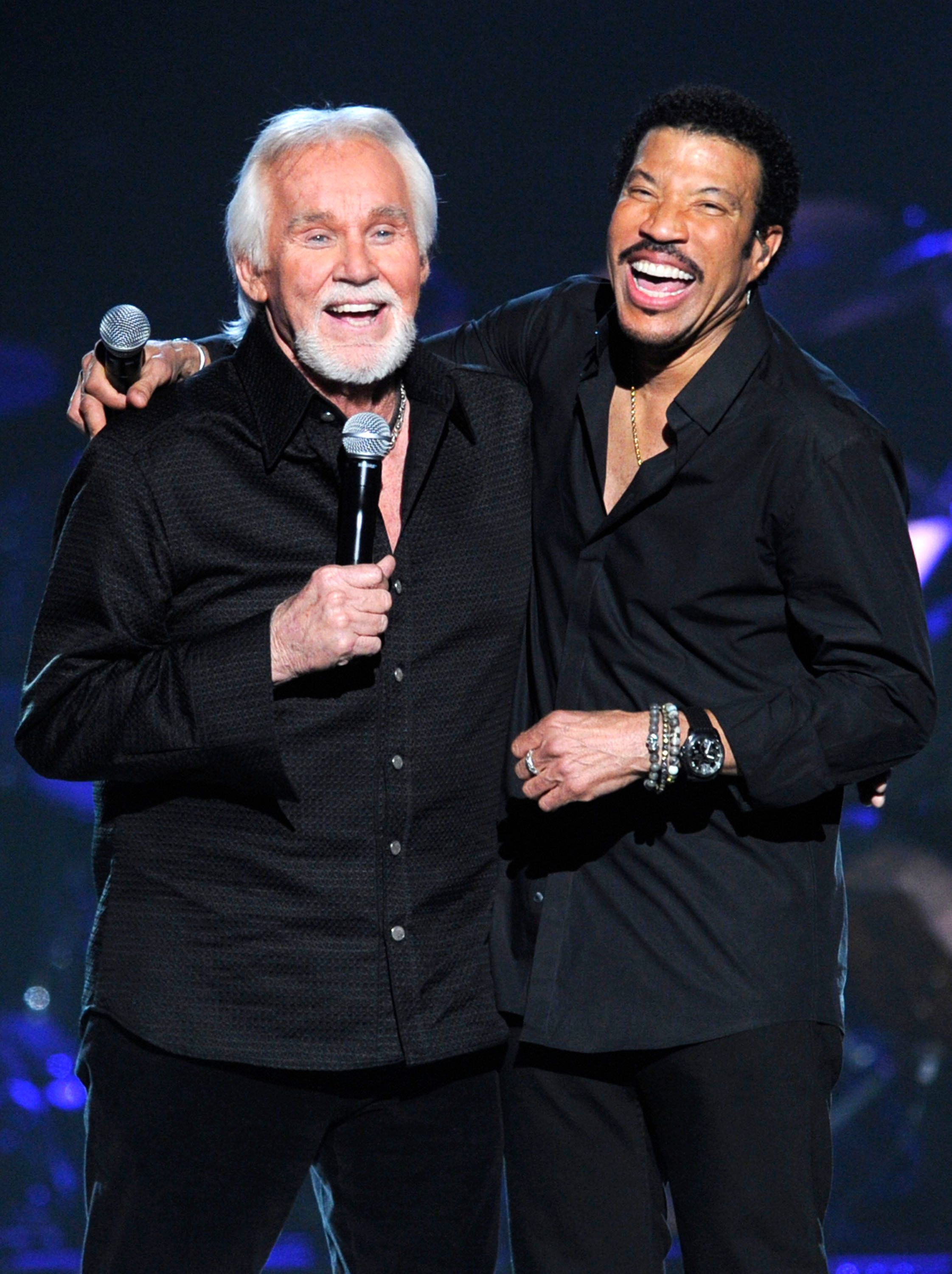 Kenny Rogers and Lionel Richie performed at Lionel Richie and Friends in Concert presented by ACM held at the MGM Grand Garden Arena on April 2, 2012. | Photo: Getty Images