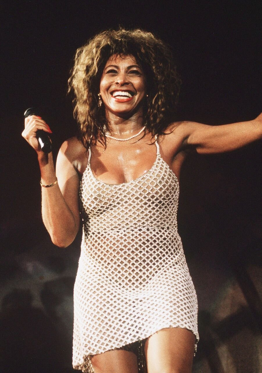 Tine Turner performing on stage. | Source: Getty Images