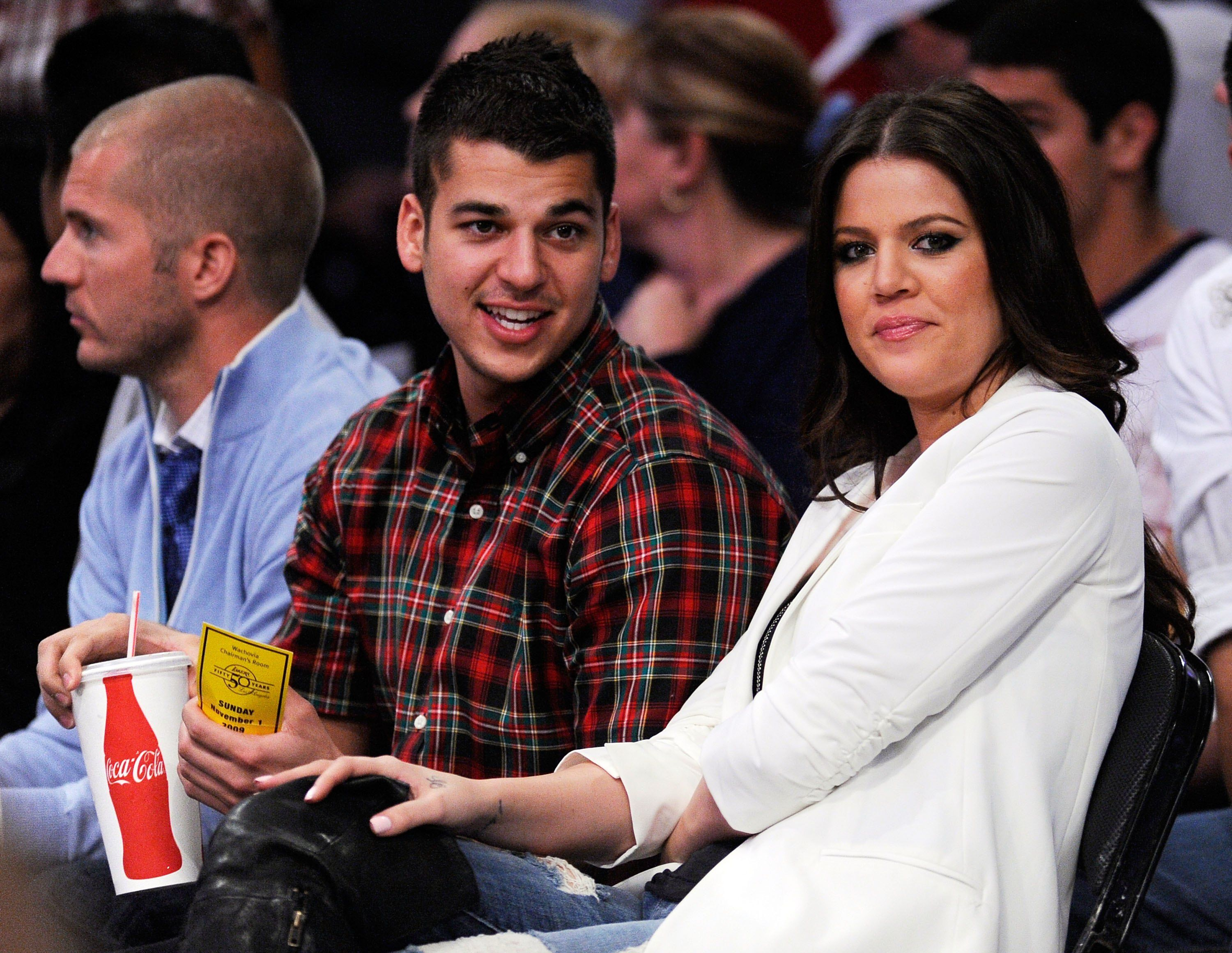 Rob and Khloé Kardashian at a Lakers/ Atlanta Hawks game at Staples Center in November 2009 / Source: Getty Images