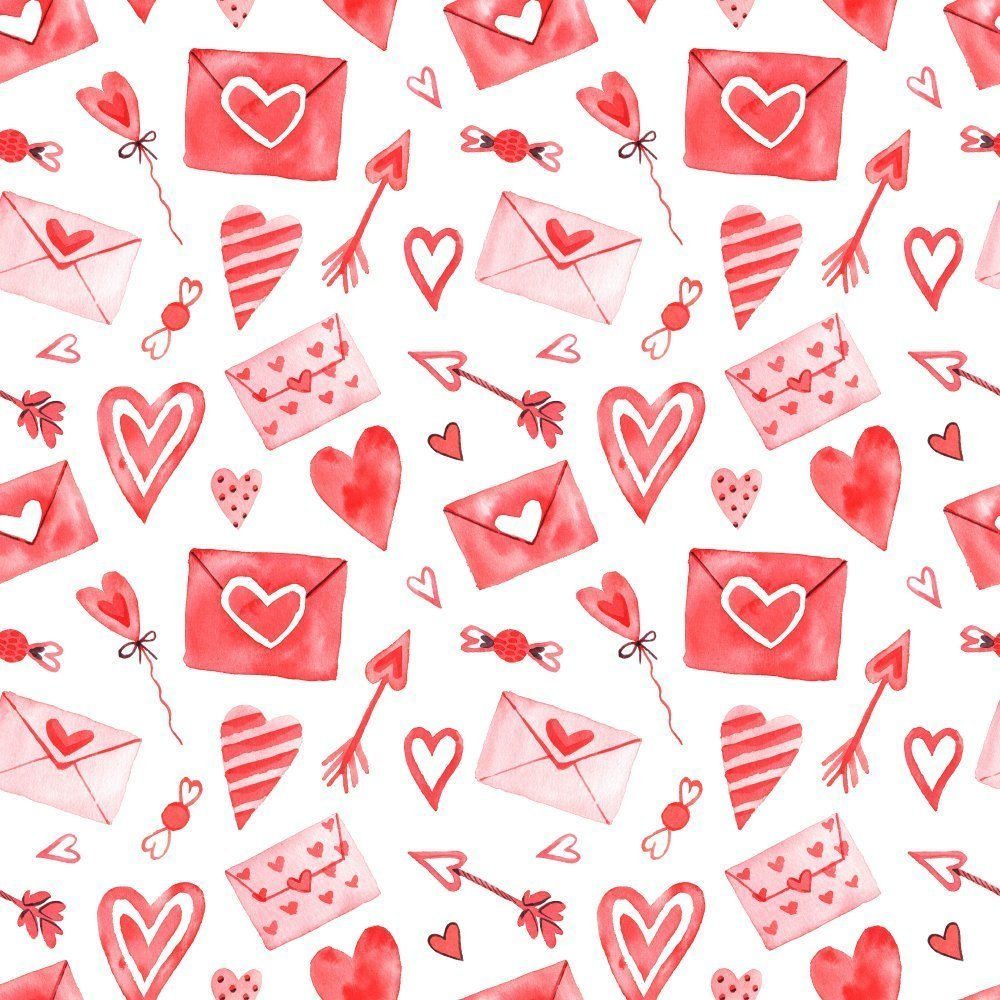 Playful photo of envelopes and elements for Valentine's Day. | Photo: Shutterstock