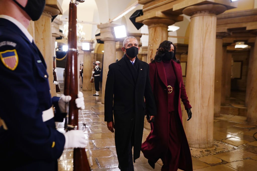 Former US President Barack Obama and Michelle Obama arrive in the Crypt of the US Capitol for the 2021 inauguration ceremony on January 20, 2021 in Washington, DC. | Photo: Getty Images
