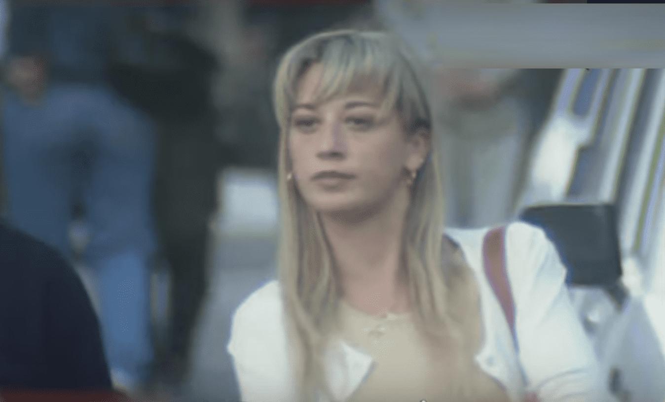 Belén Esteban filmada por paparazzi en 1997 || Fuente: YouTube/Mediaset España