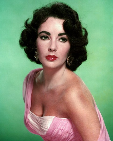 British-born American actress Elizabeth Taylor (1932 - 2011), circa 1960 | Photo Credit: Getty Images
