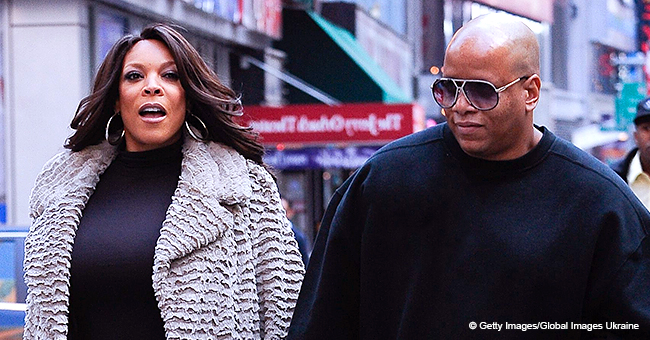 Wendy Williams Ditches Her Wedding Ring during First Show after Filing for Divorce