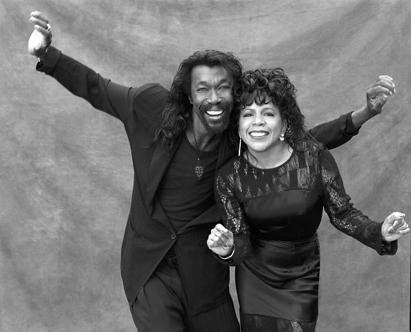 Singer songwriters Nick Ashford and Valerie Simpson pose for a portrait circa 1997 | Photo: Getty Images