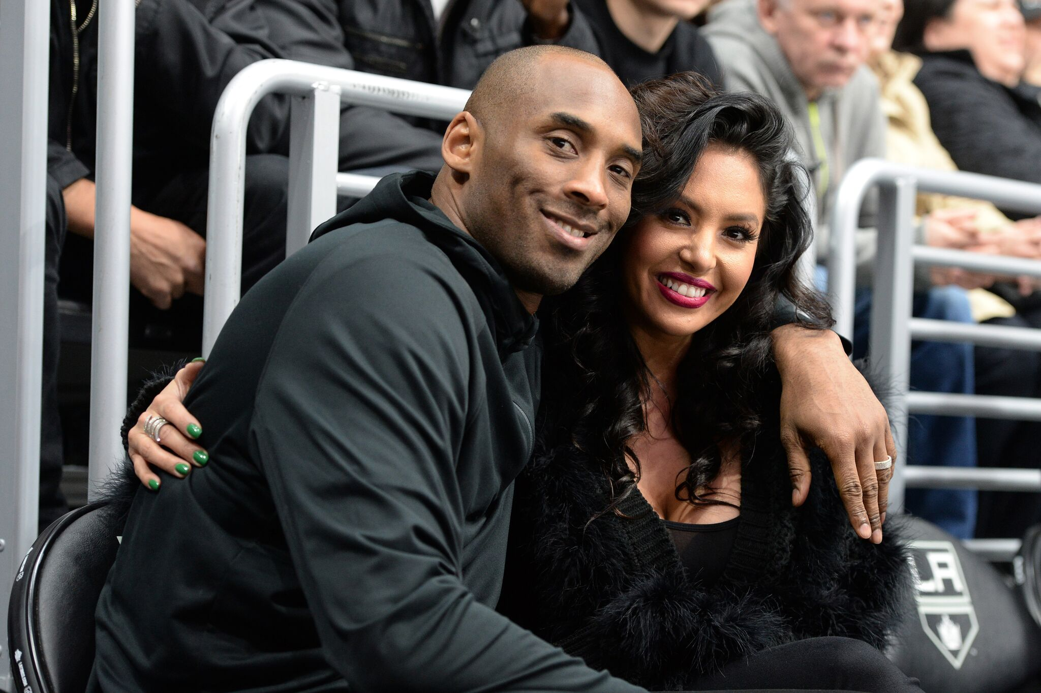 Los Angeles Lakers Guard Kobe Bryant and his wife Vanessa Bryant pose for a photo during a game between the Los Angeles Kings and the Washington Capitals at STAPLES Center  | Getty Images / Global Images Ukraine