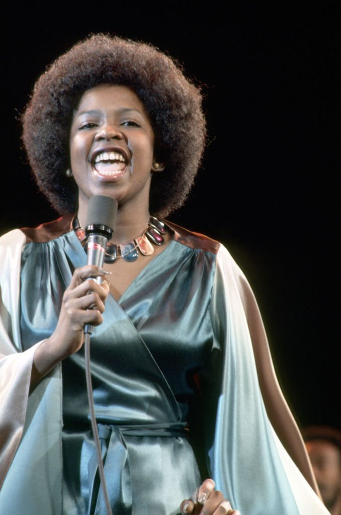 Betty Wright singing on stage in January 1960. | Photo: Getty Images