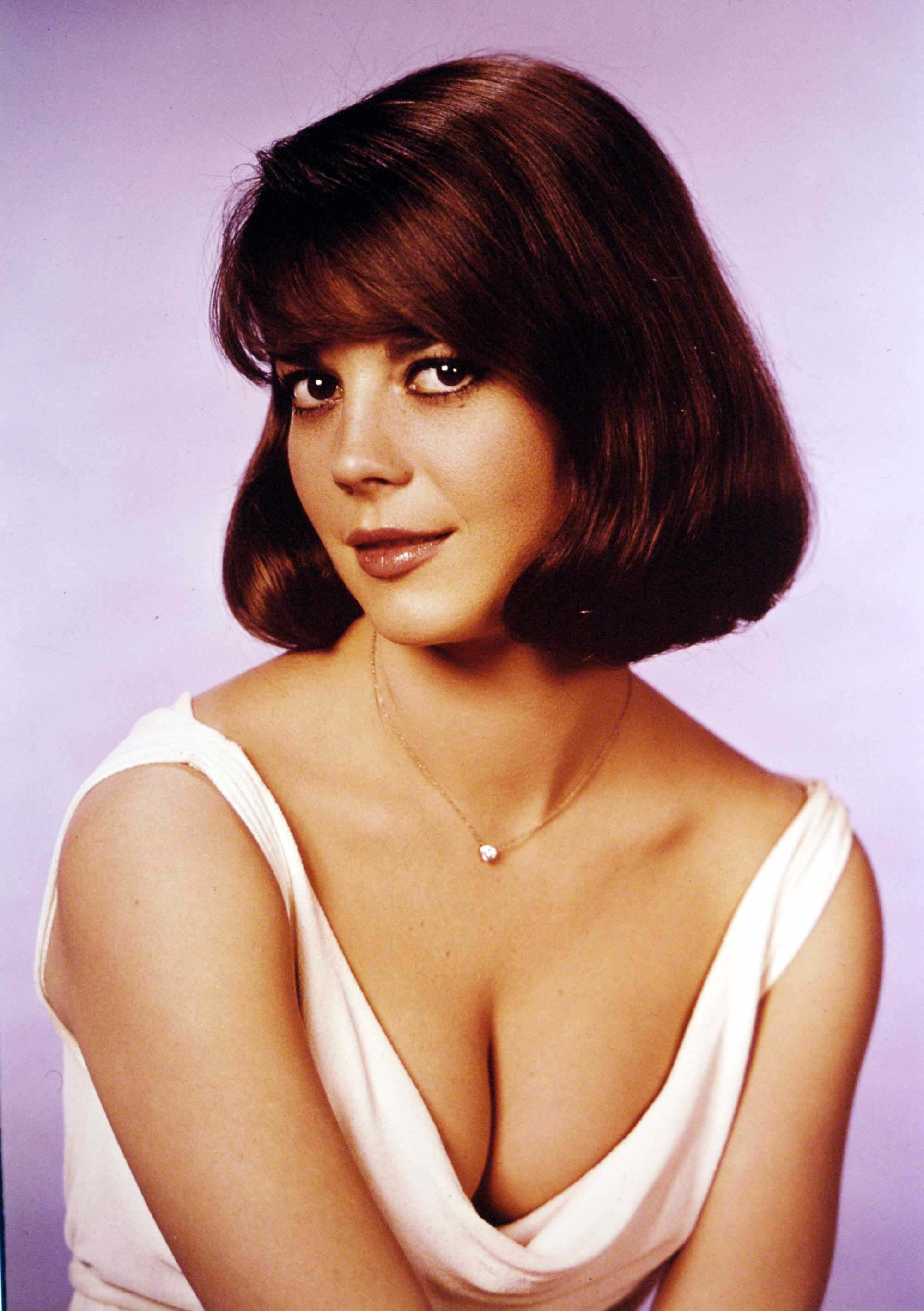 Studio portrait of Natalie Wood circa 1965. | Photo: Getty Images