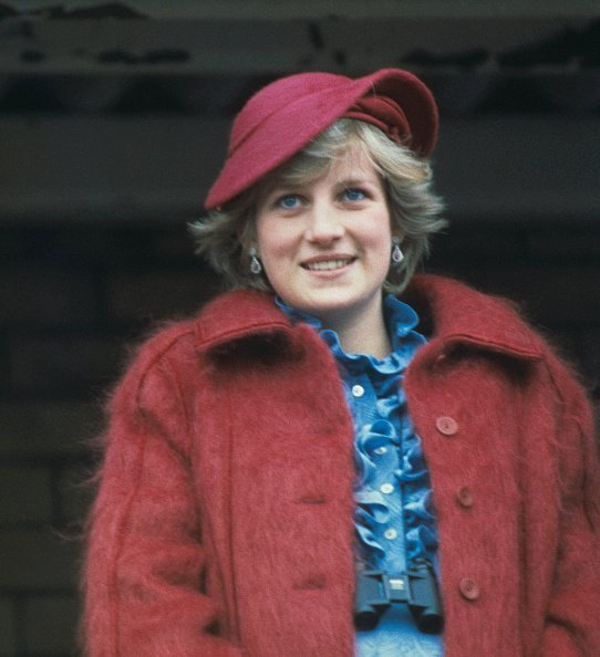 Princess Diana at Aintree racecourse for the Grand National on April 3, 1982. | Photo: Getty Images