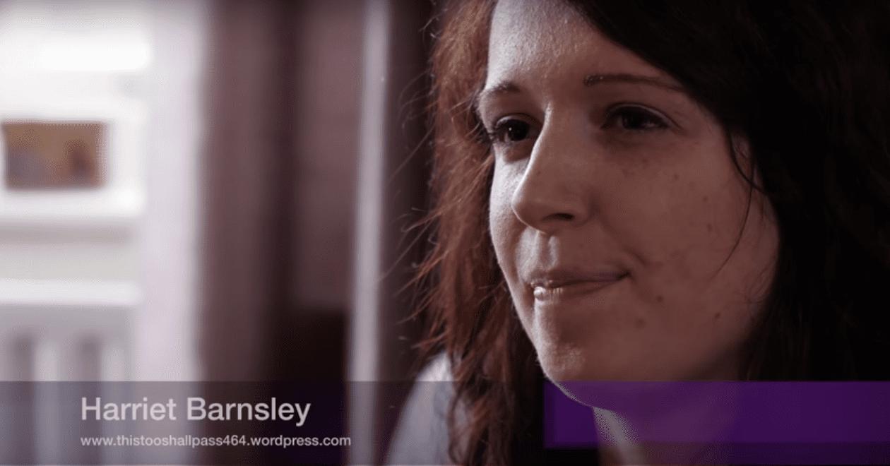 Harriet lors de son interview pour le documentaire qui narre son histoire tragique. | Youtube/West Midlands Fire Service
