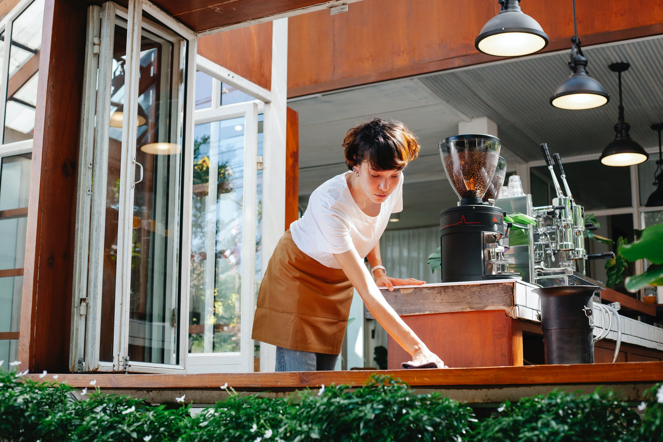 Working as a waitress | Source: Pexels